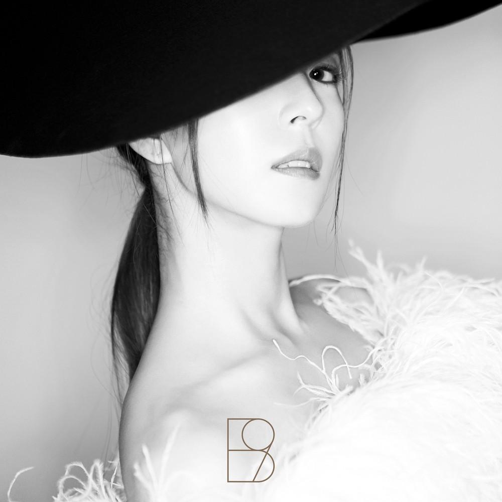 BoA (보아) – WOMAN [FLAC + MP3 320 / WEB] [2018.10.24]