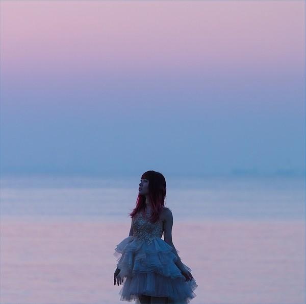 """遠藤ゆりか (Yurika Endo) – YURIKA ENDO """"Emotional Daybreak"""" SINGLES BEST  [2018.05.09] [2018.05.09]"""